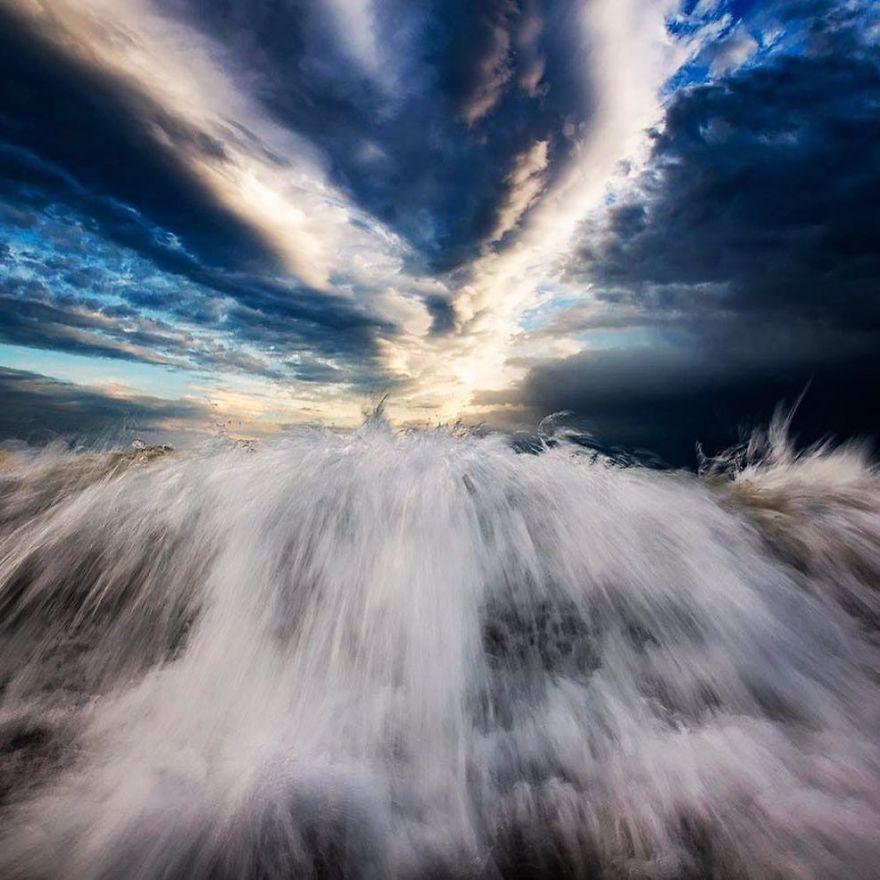 المصور الاسترالي ( مات برجيس ) - وجمال المحيط  10-Beautiful-Ocean-Images-Captured-in-2018-5c3c8df63f67a__880