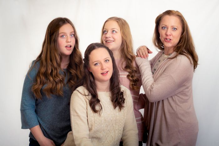 I Needed My Wife And Daughters To Smile During A Photo Shoot, So I Told A Dad Joke