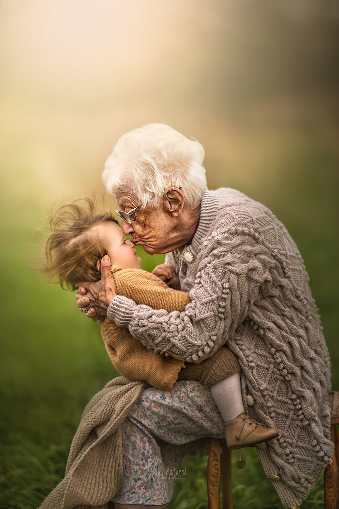 I Photographed Grandparents And Grandchildren Together And The Results Will Amaze You