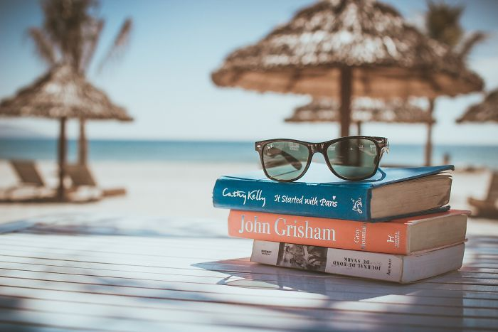 7 Must-Read Travel Books For A Perfect Trip