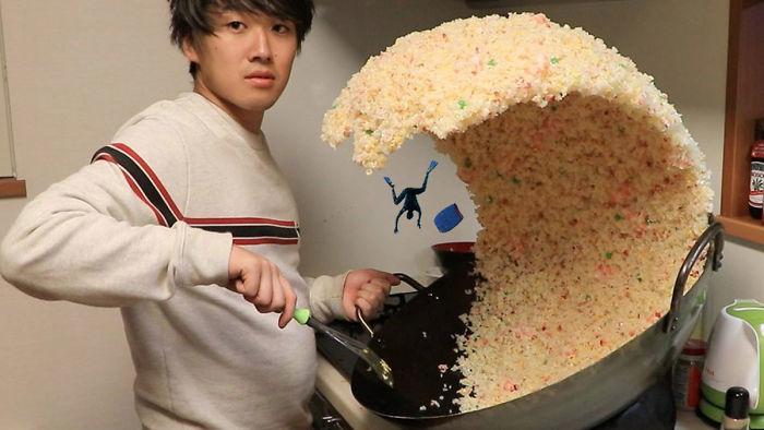 Giant-Fried-Rice-Wave-Photoshop-Mizutamari-Bond