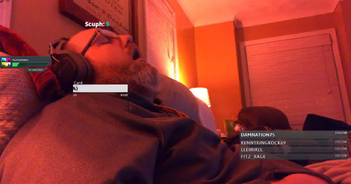 Twitch Streamer Wakes Up After Sleeping For 3 Hours, Finds 200 People Watching Him