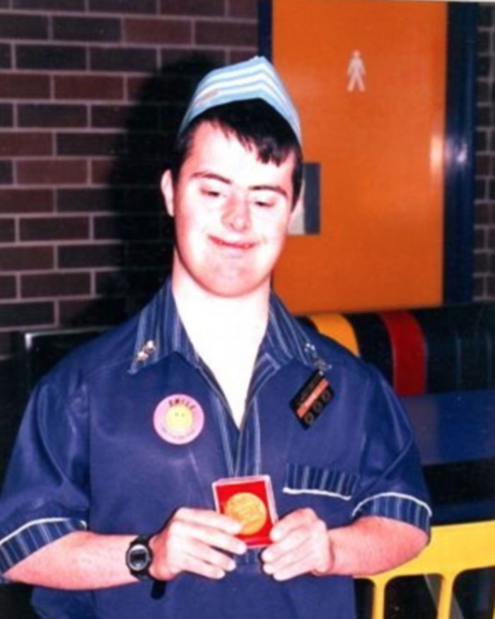 After 32 Years Of Service In A Mcdonald S This Man With Down S Syndrome Is Finally Retiring Bored Panda