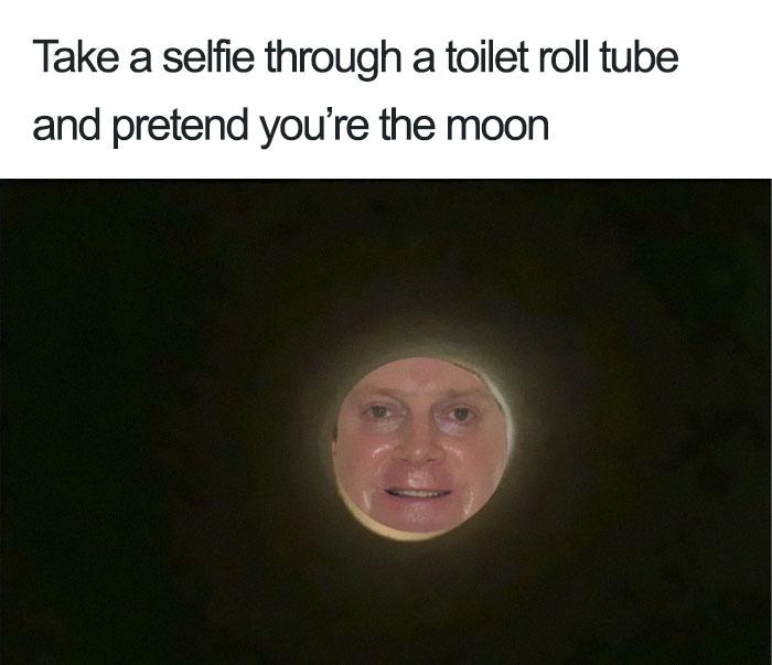 網爆紅一個衛生紙捲筒「把自己拍成月亮」挑戰 人類版本也太詭異啦!
