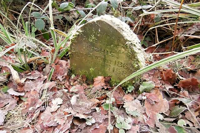 Man Finds A 130-Year-Old Tombstone In The Woods, Cleans It And Finds An Adorable Message On It