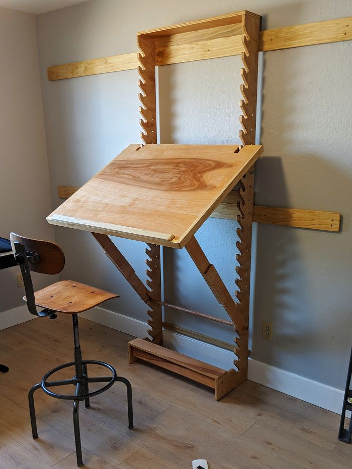 I Made An Adjustable Art Desk With A Wall Mount