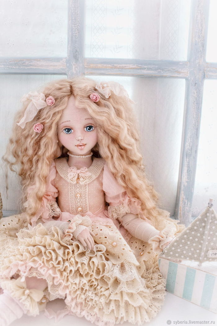 «alive» Textile Young Ladies By Doll-Artist Margaret