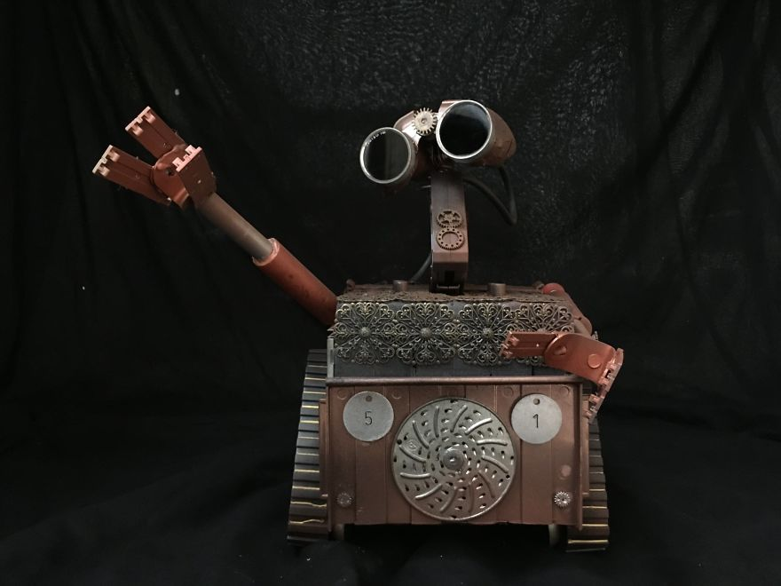 Pop Punk Inspired Bedroom: My Husband Creates Amazing Steampunk Sculptures Of Pop