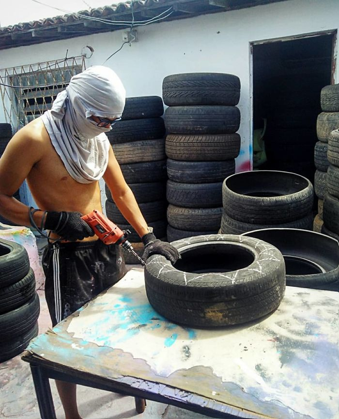 Brazilian Artist Uses The Used Tires