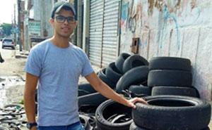 Este artista brasileño utiliza los neumáticos usados que la gente tira en la calle para crear camas para animales