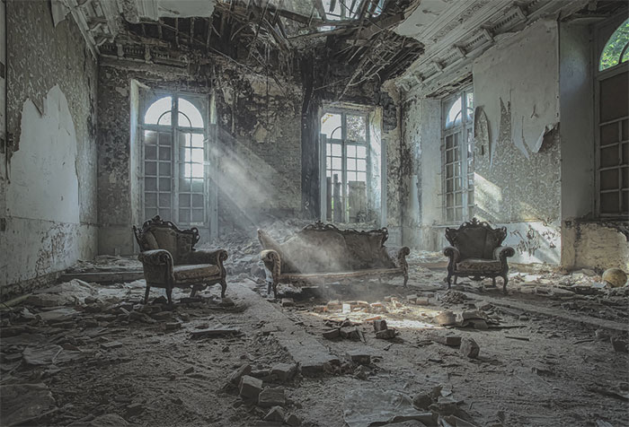 I Captured Light Rays In Abandoned Places Across Europe And Here Are My 10 Highlights