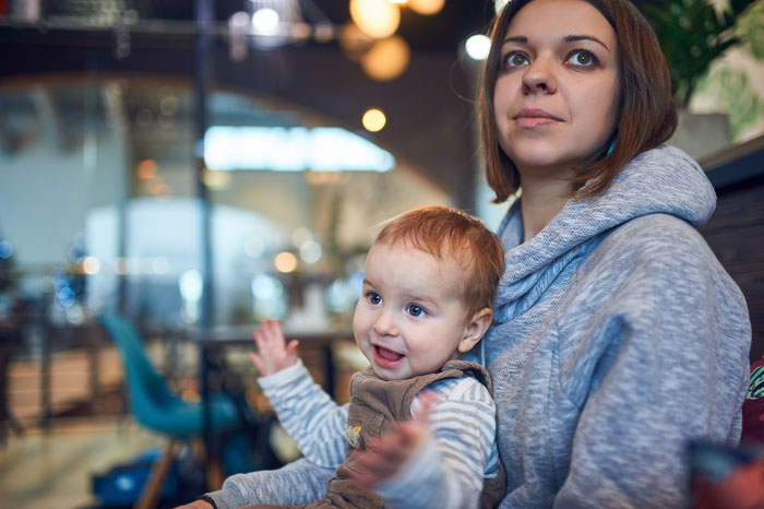 When can babies start to learn sign language