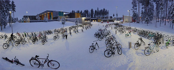 Kids In Finland Continue To Ride Bicycles To School In -17°C (1.4°F) Weather And It's A Lesson In Commuting