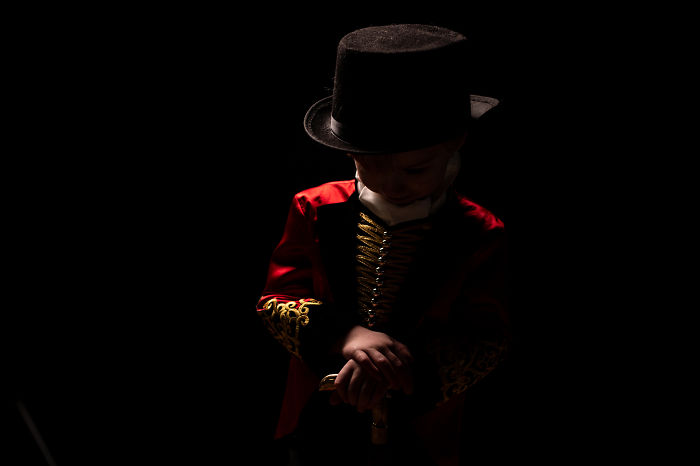 """My Son Loved The Movie """"The Greatest Showman"""" So He Became P.t. For His 4 Year Photoshoot."""