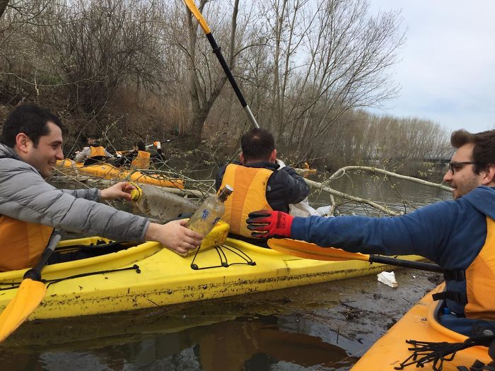 We Heard That Party Didn't End Yet! We Cleaned The Tunca River With Kayaks. #trashtag