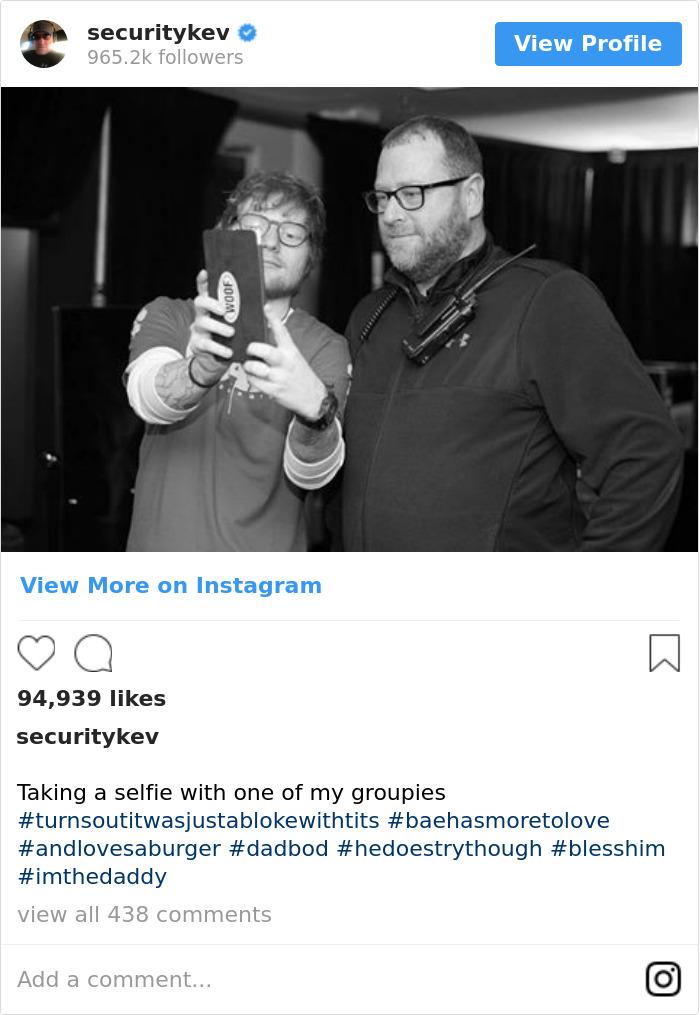 Taking A Selfie With One Of My Groupies #turnsoutitwasjustablokewithtits #baehasmoretolove #andlovesaburger #dadbod #hedoestrythough #blesshim #imthedaddy