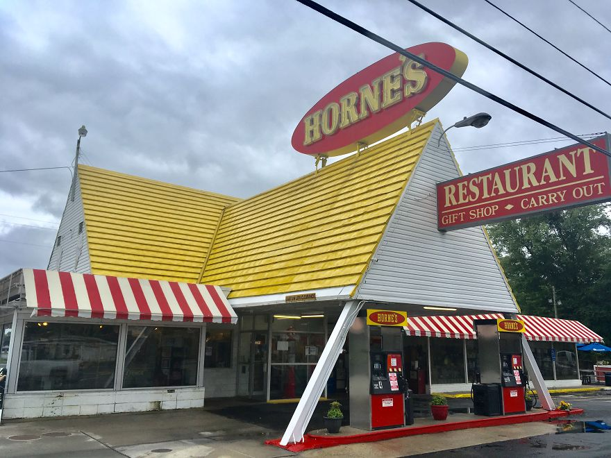 I Track Down And Eat At The Last Surviving Locations Of Nearly