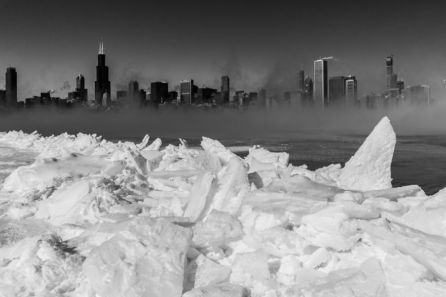 I Went Out In Chicago During The Polar Vortex (-29°c) And Took Photos Along The Lakefront
