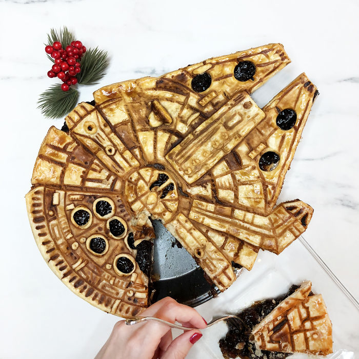 Millennium Falcon From Star Wars Mince Pie