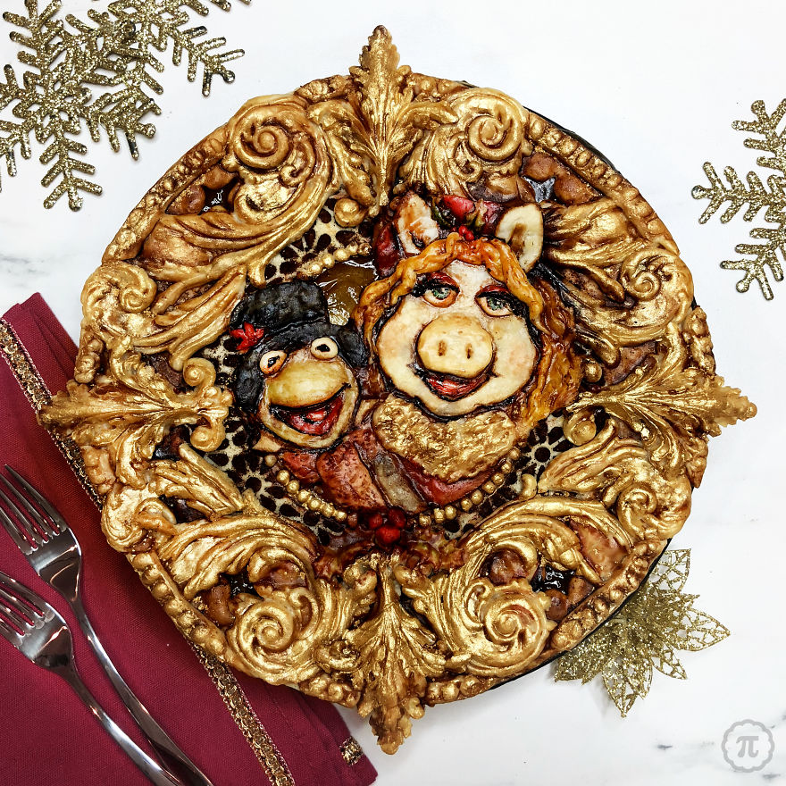 Kermit And Miss Piggy In A Christmassy Muppets Pie