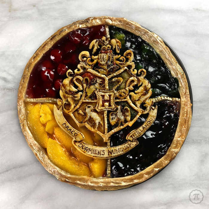 Four Flavour Harry Potter Crest Pie