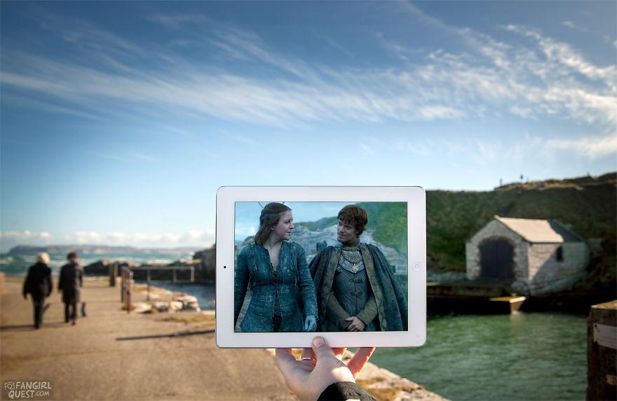 Yara Greyjoy (Gemma Whelan) And Theon Greyjoy (Alfie Allen) Chat Upon His Return To The Iron Islands On Location At Ballintoy Harbour, Northern Ireland