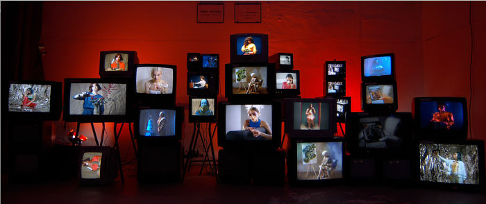I Made A Video Installation With 25 Tvs From The Garbage