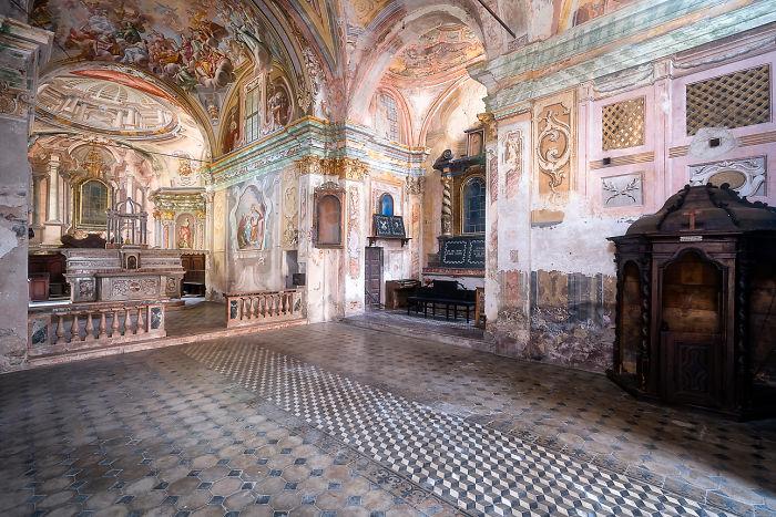 Amazing Frescoes In Church