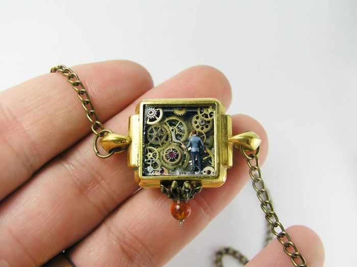 Detailed-Miniature-Worlds-Antique-Pocket-Watches-Micro-Gregory-Grozos