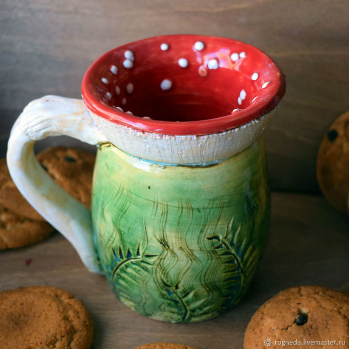 Amanita-Mugs, Cheshire-Mugs And Other Mug Stories By Julia Vlasova