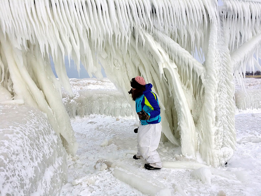 Frozen Lake Michigan Shatters Into Millions Of Pieces And Results In Surreal Imagery
