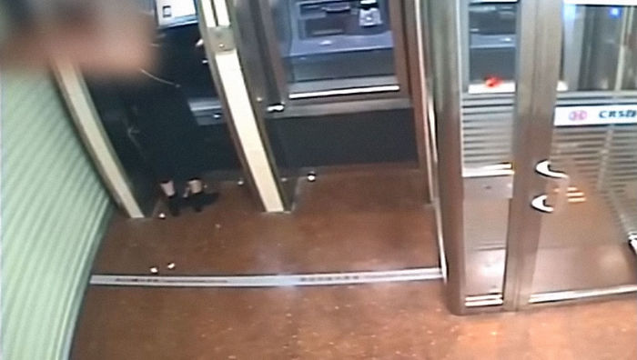 Robber Robs Woman At ATM, But After Seeing Her Bank Balance, Returns All The Money With A Huge Smile
