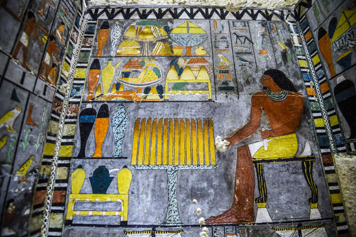 Archeologists Uncover 4,000-Year-Old Tomb In Egypt And It Looks Like It's Been Just Painted