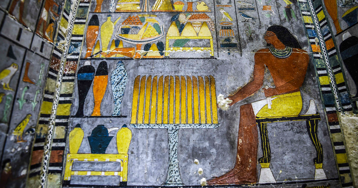 Archeologists Uncover 4,000 Year Old Tomb That Looks Freshly Painted