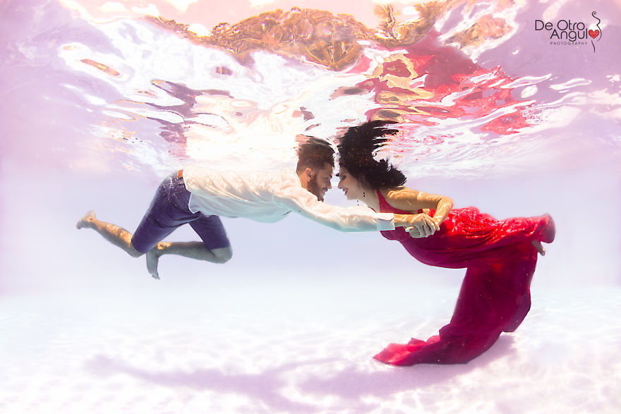 How I Was One Of The First Doing Underwater Maternity Photography In Argentina.