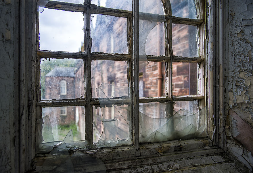 Strong Windows With Small Panes