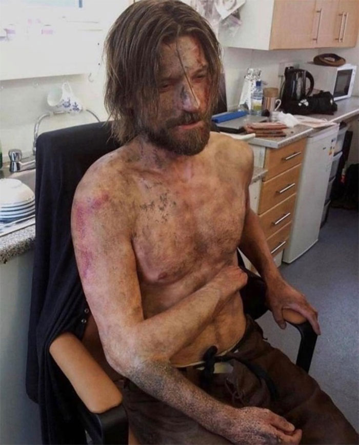 Jamie Lannister And His Creepy Extra Arm Behind The Scenes