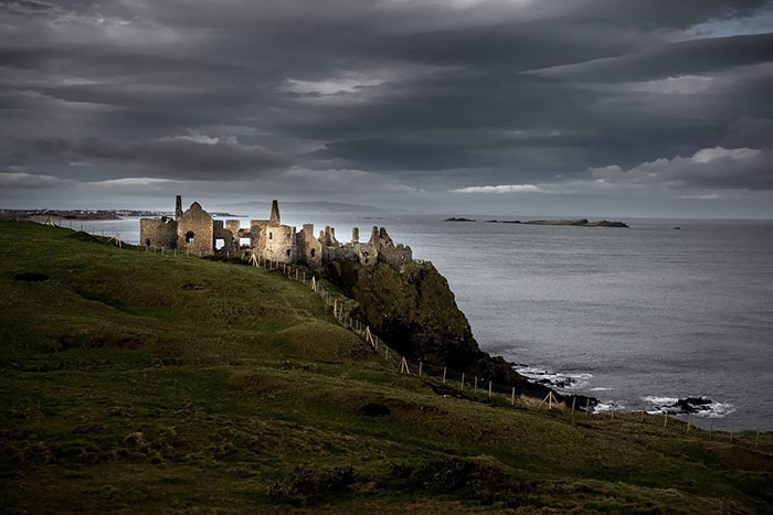 Landscape Fromgame Of Thrones- House Of Greyjoy. Dunluce Castle In Northern Ireland