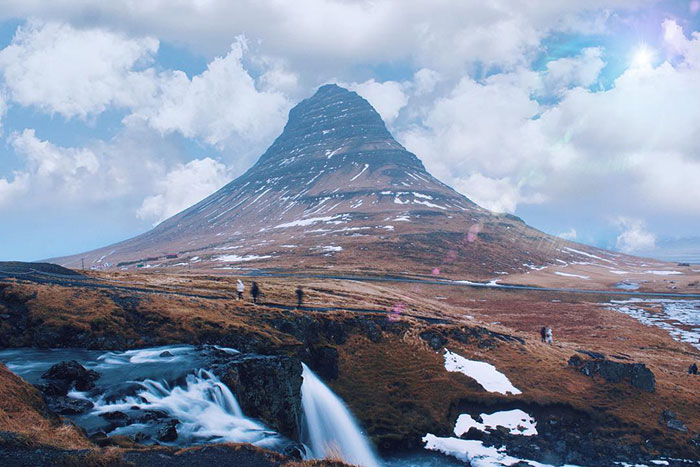 """Recognize This Mountain? It's """"Arrowhead Mountain"""" From Season 7 In Iceland"""