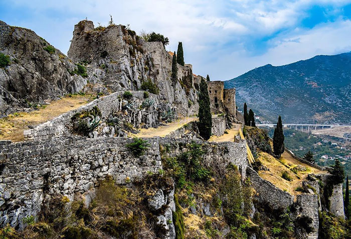 Fortress Of Klis, Known As The Walls Of Mereen Where Daenerys Famously Crucified Slave Masters