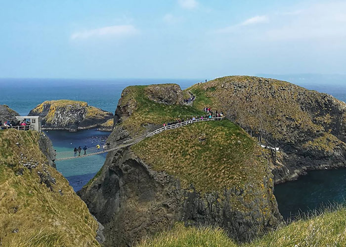 Made By Fishermen 350 Years Ago This Carrick-A-Rede Rope Bridge In Northern Ireland Is 30 Meters High. This Is Also A Game Of Thrones Location