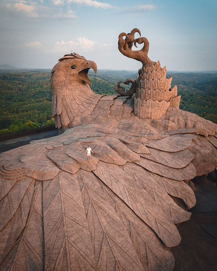 This Artist Spent 10 Years Creating Tallest Bird Sculpture In The World (200ft)