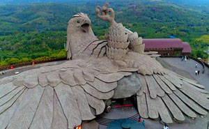 This Is The Largest Bird Sculpture In The World And It Took 10 Years To Complete It