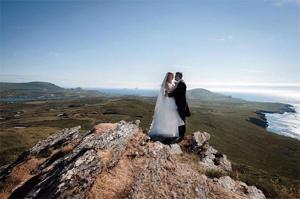This Newlywed Couple In Ireland Look Like Giants
