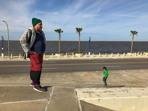 Tiny Kid, Giant Dad