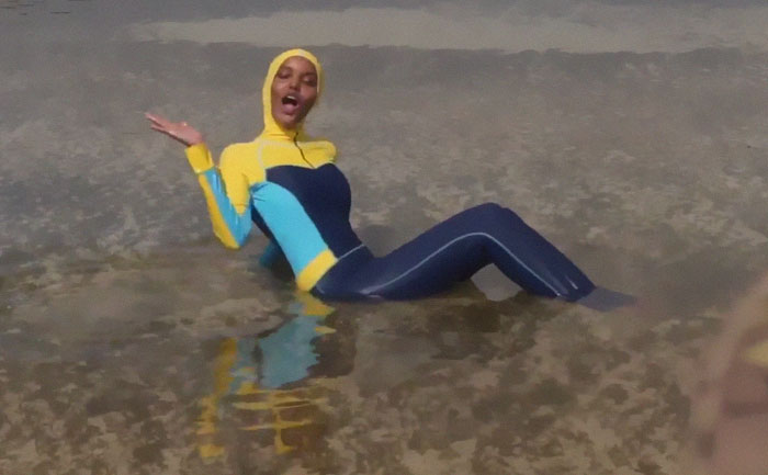 a9ccd7e4bb3fd Sports Illustrated Makes History By Featuring A Model Wearing A Burkini And  Hijab | Bored Panda