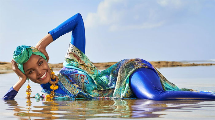 Sports Illustrated hace historia al presentar a una modelo con burkini y hijab