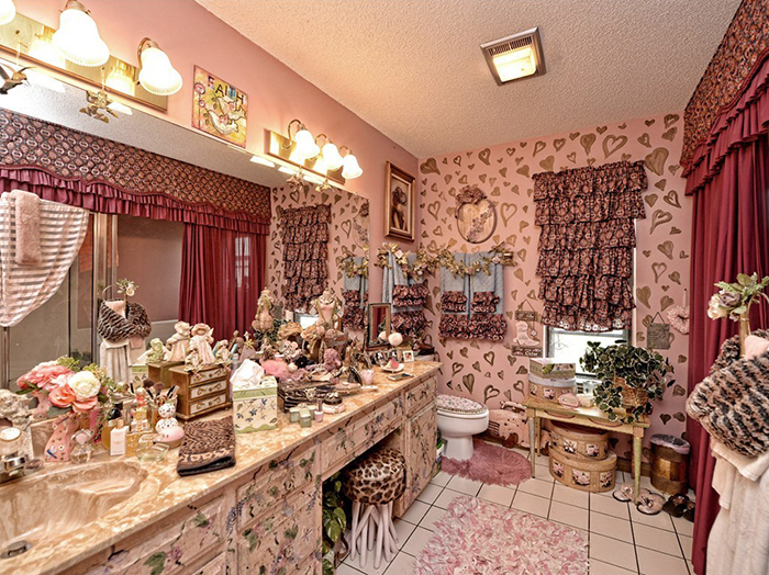This $400,000 House Being Sold In Texas Might Be The Weirdest House You've Seen Yet
