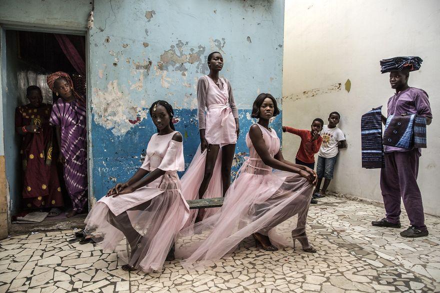 """Portraits, Singles, 1st Prize, """"Dakar Fashion"""" By Finbarr O'reilly"""
