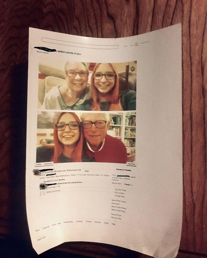 Mi abuelo de 97 años está en Facebook. Hace un par de años le gustó una foto mía, así que imprimió toda la página para exhibirla en su casa